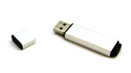 Navzdory GDPR dva ze tří uživatelů nechrání data na svých flash discích