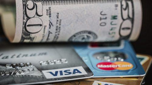 2021: Více vyděračských kampaní a krádeží platebních karet